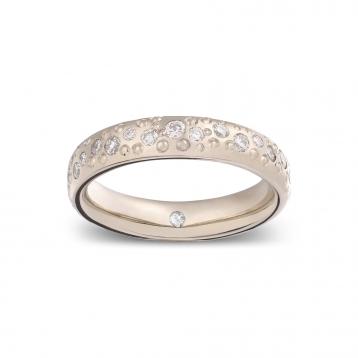 Wedding ring in white gold Biancoreale® full pavè