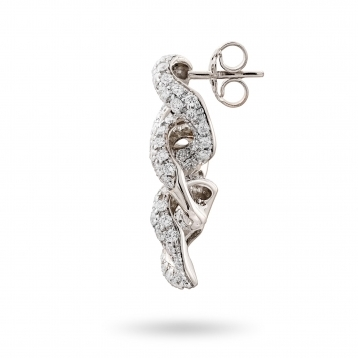 Earrings in white gold with diamonds