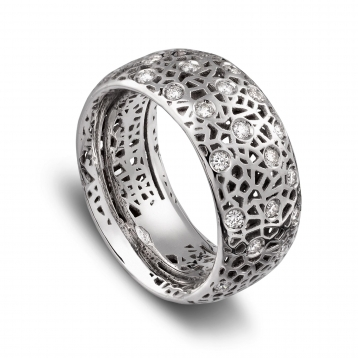 Wide band ring white gold and diamonds