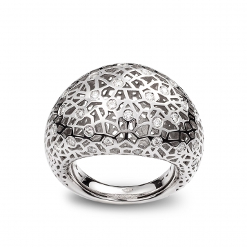 Medium rounded ring white gold and diamonds