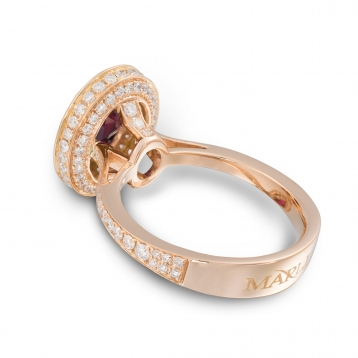 Ring with ruby in rose gold and diamonds